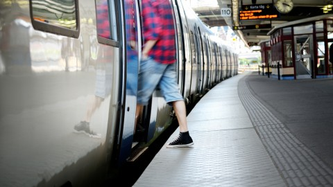 10 workouts for your morning commute